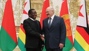 Мнангагва и Лукашенко. Фото пресс-службы белорусского президента